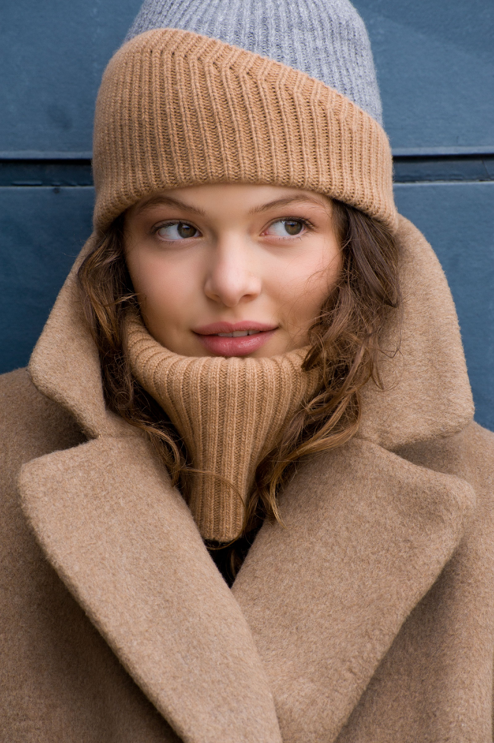 Reshaped beanie and neck-warmer